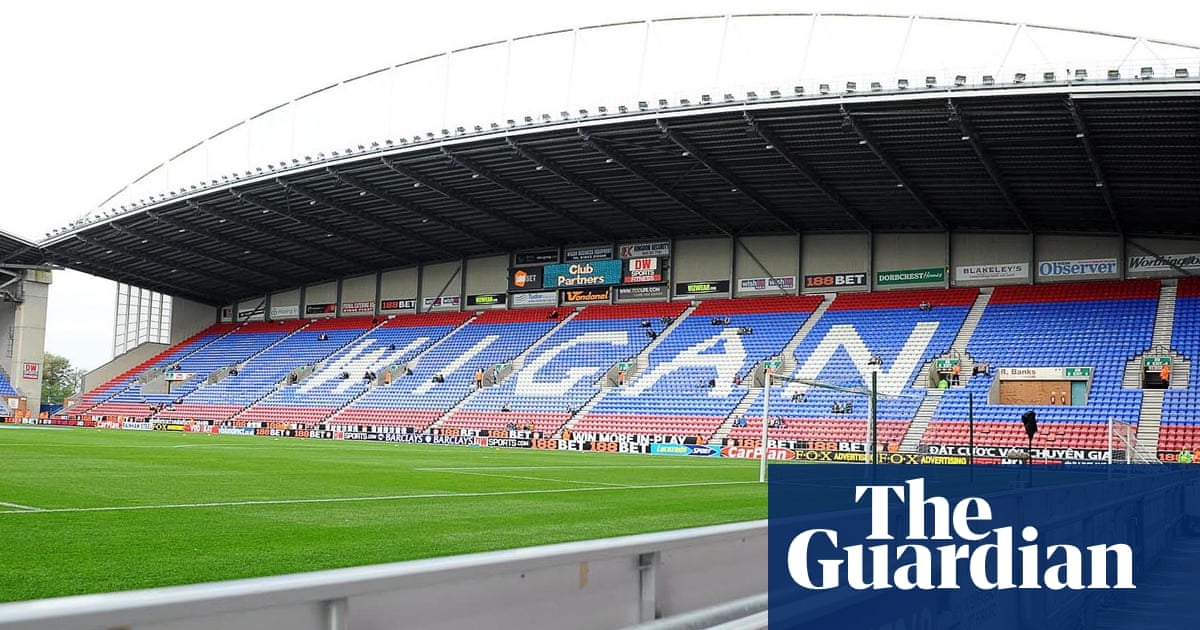 Labour asks government to deliver manifesto pledge of 'fan-led review'