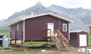 A house designed by the Tagiugmiullu Nunamiullu Housing Authority