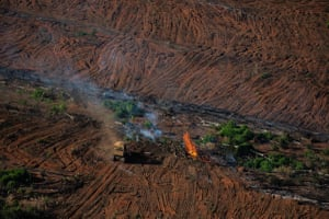 Forest remainders burning in Juara, Mato Grosso. Deforested area is mostly turned over to cattle farming or agriculture.