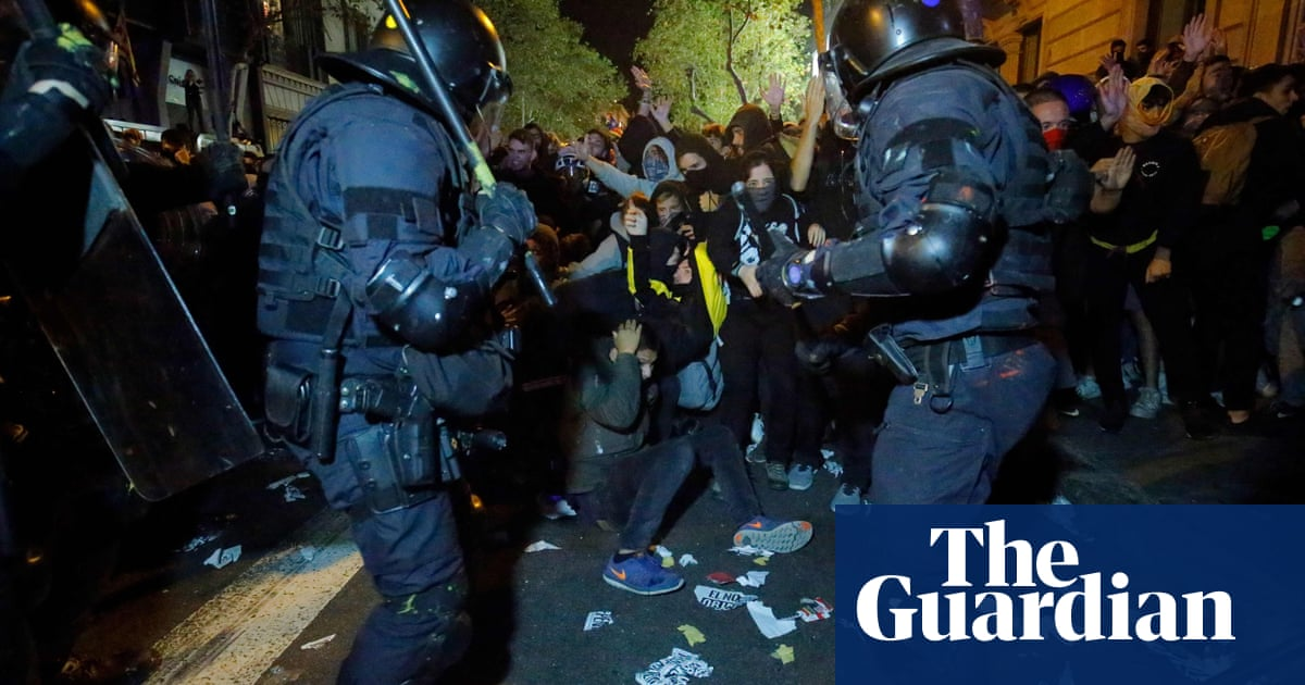 Police clash with Catalonia protesters in second night of violence