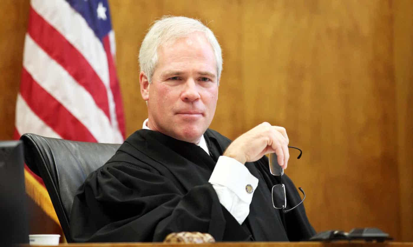 Oregon judge under investigation after refusing to perform same-sex marriages