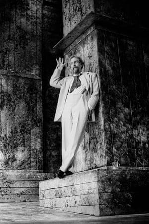 Richard Briers (Vanya) in Uncle Vanya, 1991