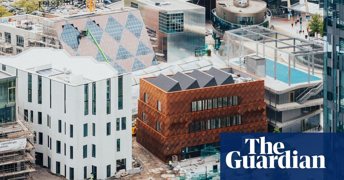 'An architectural fashion show': Greenwich peninsula's Design District