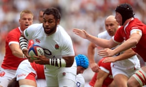 Billy Vunipola on the way to scoring the first try of the match