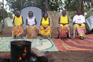 Dila Yunupingu Munungurr, Dopia Yunupingu Gurruwiwi, Nyapa Nyapa Yunupingu , Dorothy Yunupingu and Eunice Yunupingu Marika are Yolngu sisters and healers, running healing workshops at Garma using their knowledge of bush medicine.