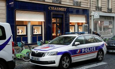 Jewel thief scoots away after 'mind-boggling heist' in Paris