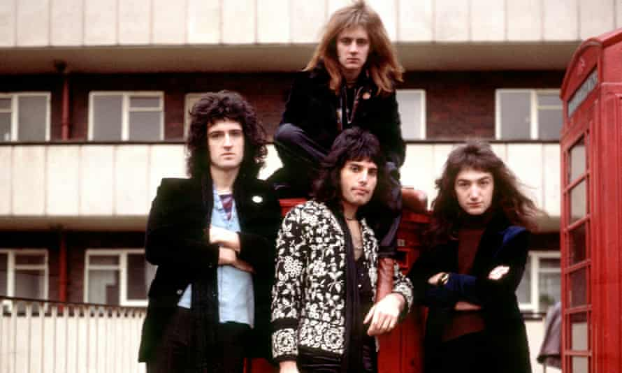Queen circa 1973, left to right: Brian May, Roger Taylor, Freddie Mercury and John Deacon.