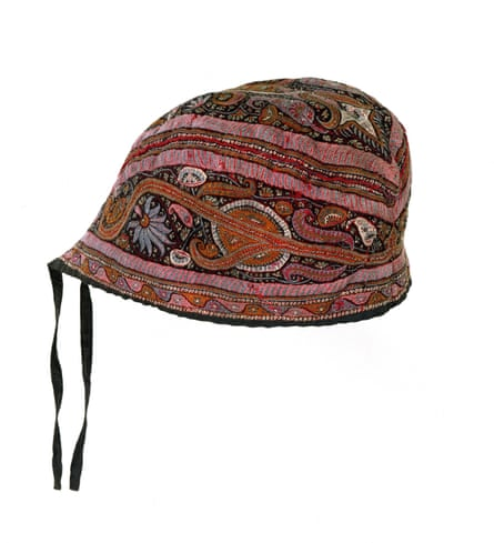 Glengarry style cap; embroidered wool; Indian (Ludhiana, Kashmir); Mid 19th century.