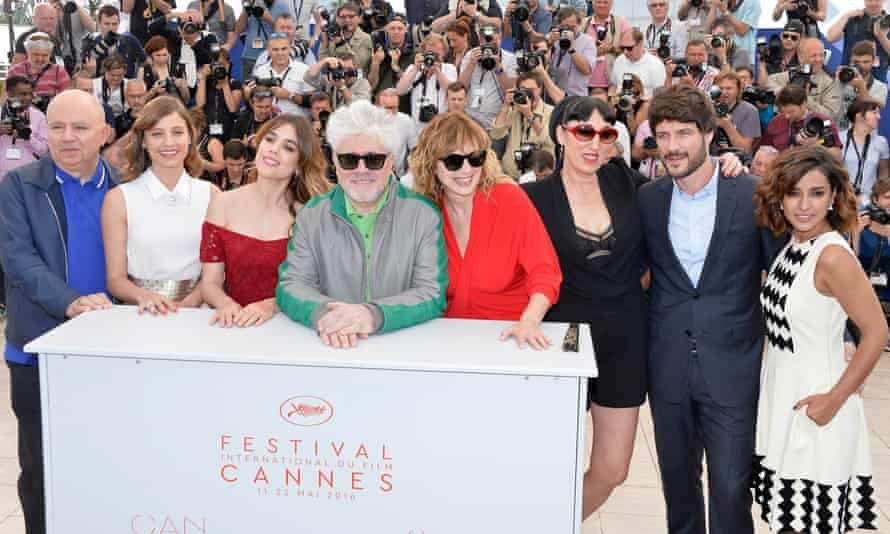 Pedro Almodóvar with the cast of his new film Julieta.