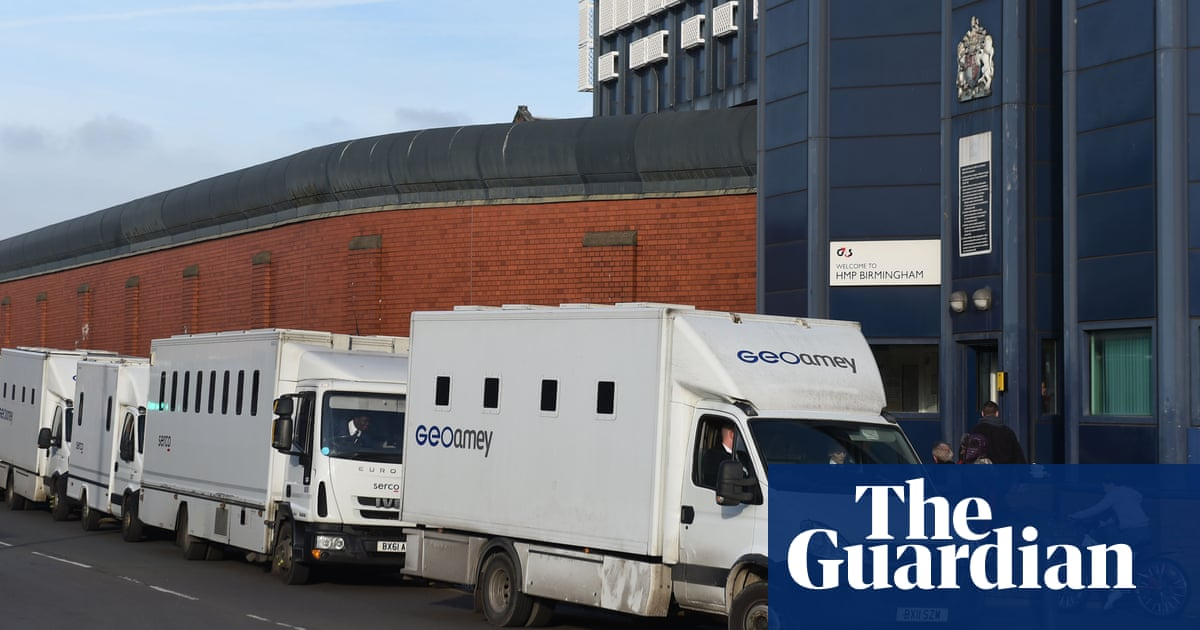 a639edc2ed Hull prison  on brink of riot  after inmates arrive from Birmingham