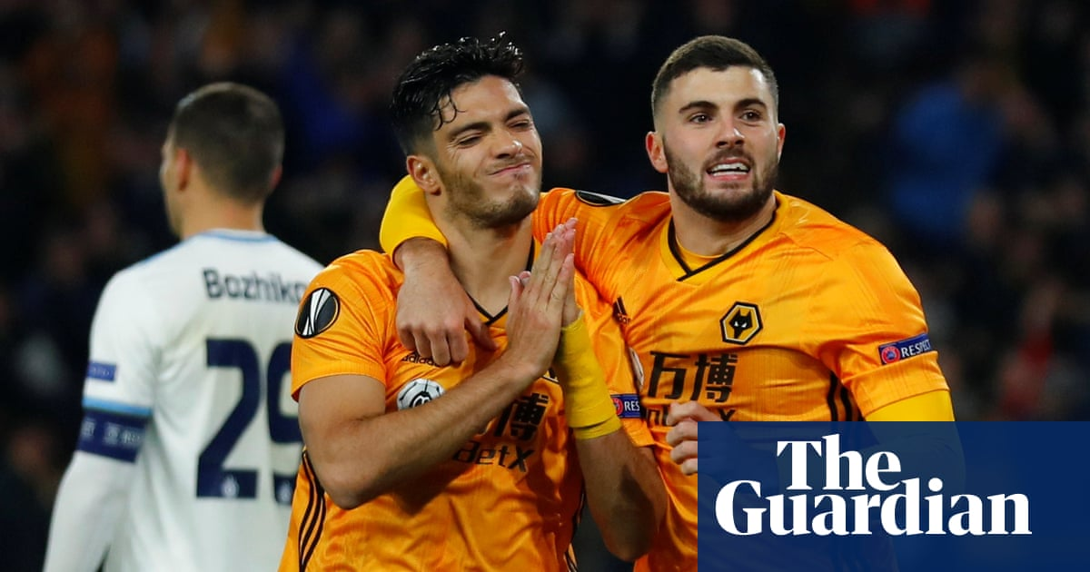 Raúl Jiménez heads Wolves to verge of Europa League knockout stage