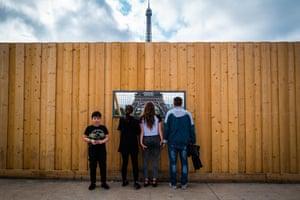 Andrea Pieri: Eiffel MatrioskaA family looks the Eiffel tower from trocadero, Paris.