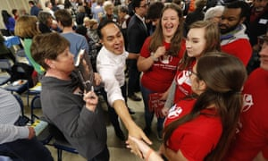 Julián Castro greets Iowa State University students in Ames, Iowa on 23 February.