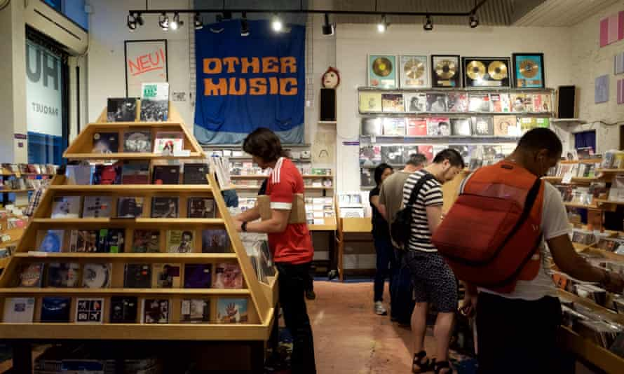 Other Music featured records in categories including 'la decadance' and 'out'.