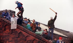 1990 Strangeways riots, inmates' roof-top protest