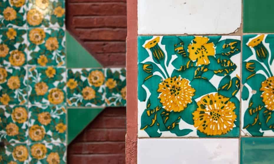 Marigold-design tiles frame the spiky gates of Casa Vicens.