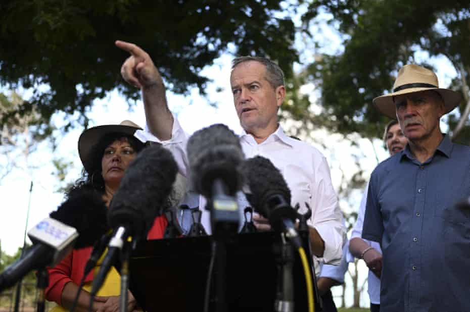 Bill Shorten speaks to the media at a press conference in Darwin.