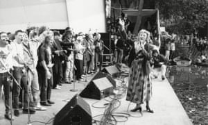Dame Vera Lynn leading the singing at an anti-heroin concert in 1985