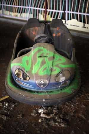 The bumper cars are rusting away