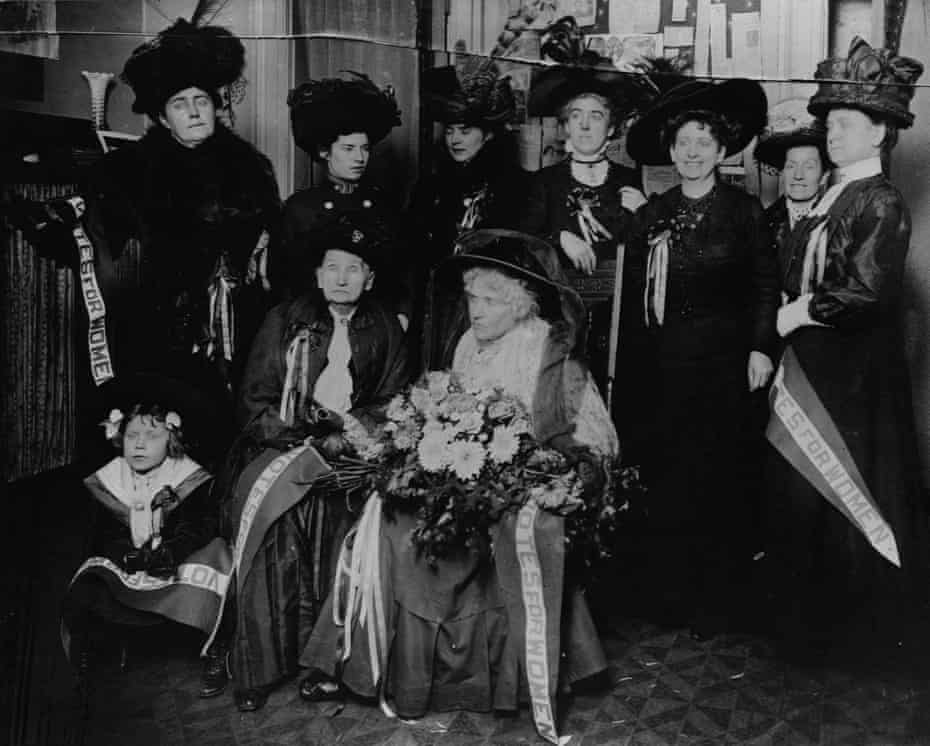 Victoria Woodhull and her sister, Tennessee Claflin in the front row, with fellow suffragists in 1910.
