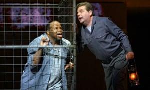 Gripping … Lester Lynch, left, and Peter Hoare in Dallapiccola's Il Prigioniero.