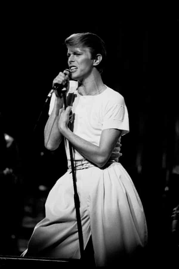 David Bowie, in oversized pleated baggy trousers, performing at Arie Crown Theatre, Chicago, Illinois, 17 April 1978.