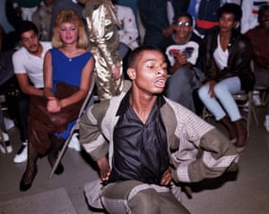 A scene from Paris Is Burning (1990), an inspiration for the film.