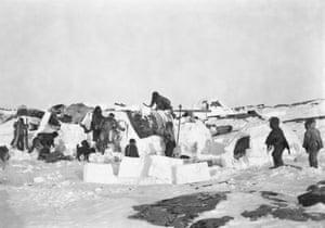 Inuit igloos, Fullerton Harbour, Nunavut, ca. October 1903