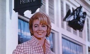 Dorothy Malone played Constance MacKenzie in the US TV soap opera Peyton Place, which was first aired in 1964.