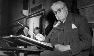 Ralph Vaughan Williams conducts a rehearsal in 1956.