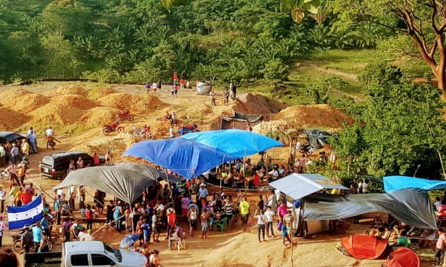 Guapinol madencilik karşıtı protesto kampı.