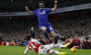 Arsenal's Hector Bellerin tackles Cesar Azpilicueta.