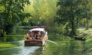 The canal d'Ille et Rance near Dinan.