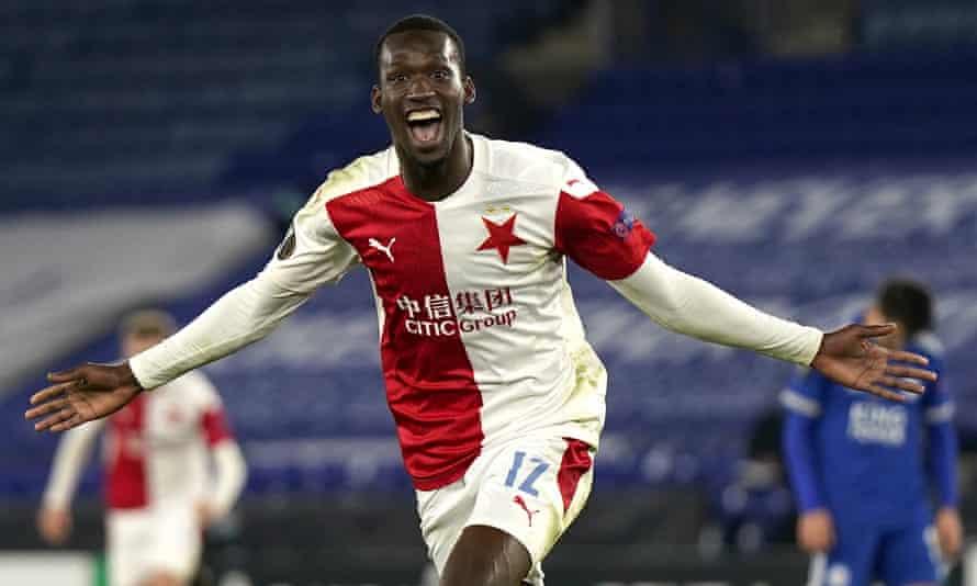 Abdallah Sima made it 2-0 to Slavia Prague with a superb long-range effort