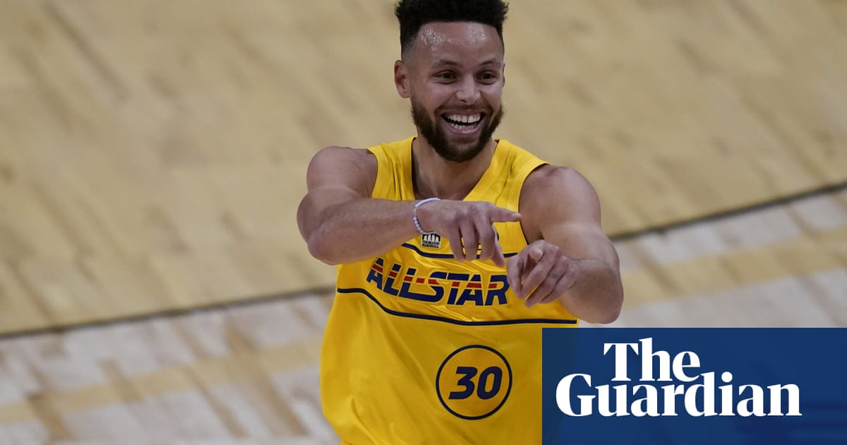 Curry and Lillard hit back-to-back half-court shots as Team LeBron win All-Star Game