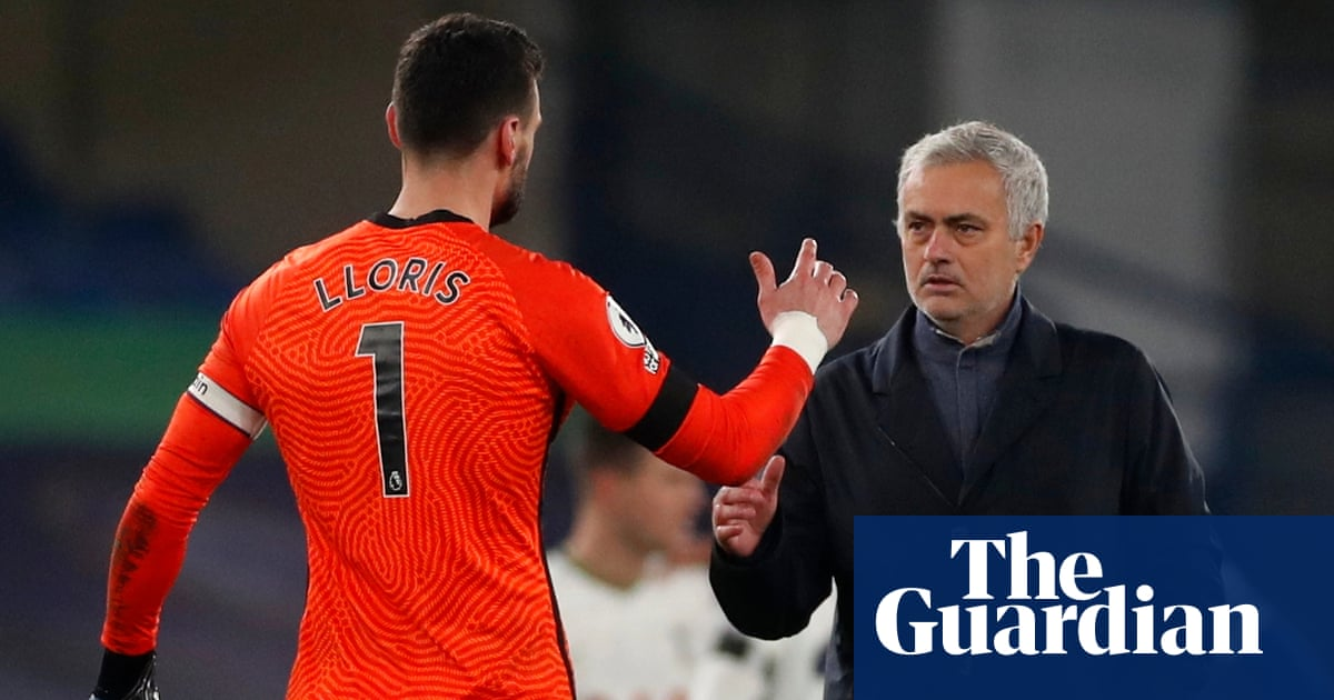 José Mourinho says Tottenham just a pony in title race after draw at Chelsea