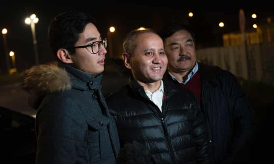 Mukhtar Albyazov (centre) with his son Madiyar after being released from jail in France in 2016.