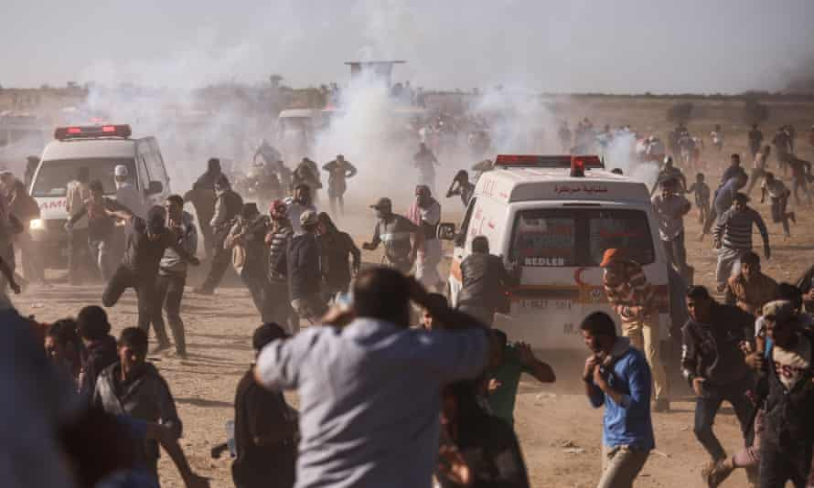 Israeli security forces take on Palestinians during protest in eastern Khan Yunis.