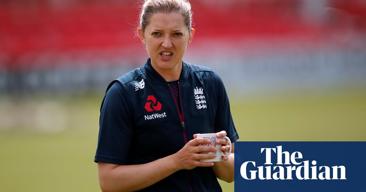 Sarah Taylor quits international cricket due to problems with anxiety