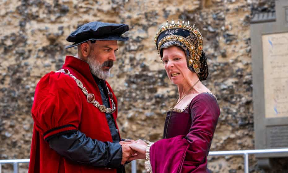 Alex Hughes as Henry VIII and Dani McCallum as Anne Bolyen in The Last Abbot of Reading, at the Abbey Ruins.