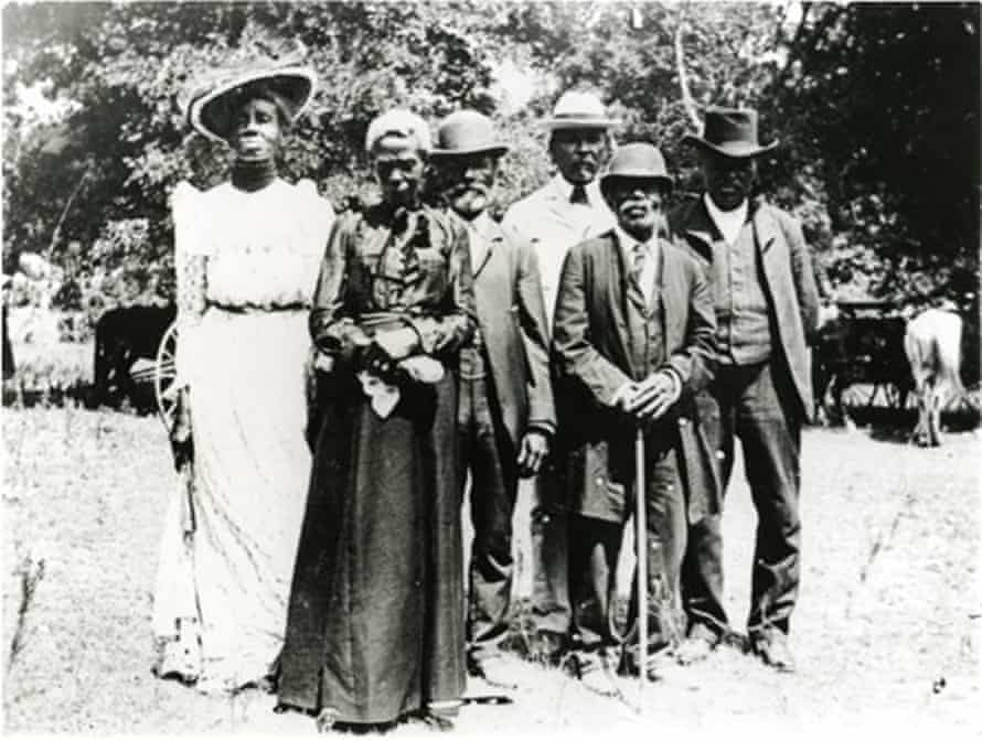 Celebrants dressed to hear speeches during a 1900 Juneteenth celebration in Texas.