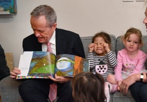 Bill Shorten reads to children at the Goodstart early learning childcare centre in Nollamara.
