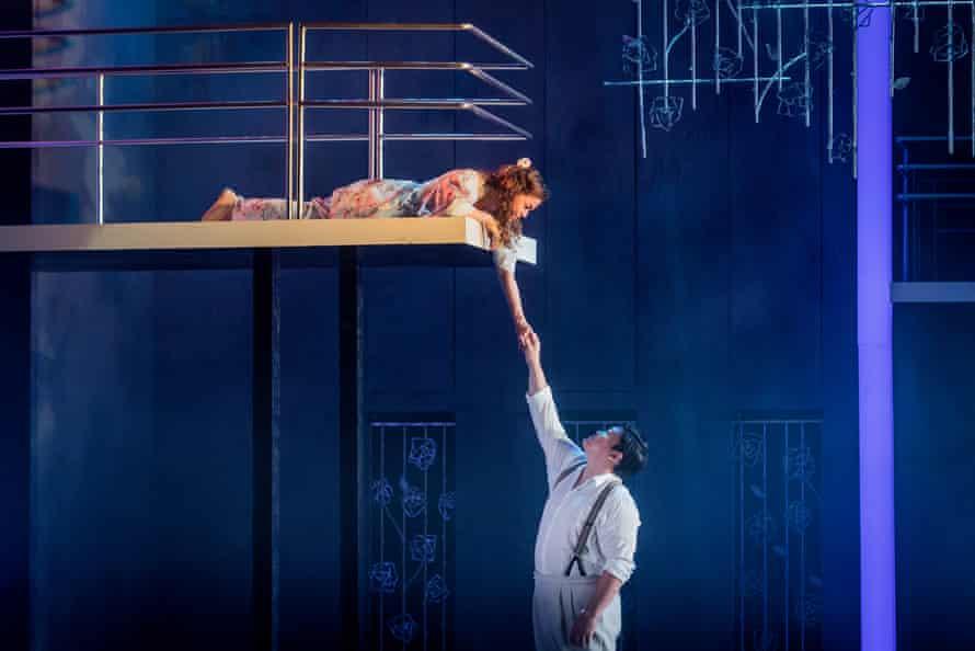 Olena Tokar and David Junghoon Kim in Roméo et Juliette at Grange Park Opera, West Horsley.