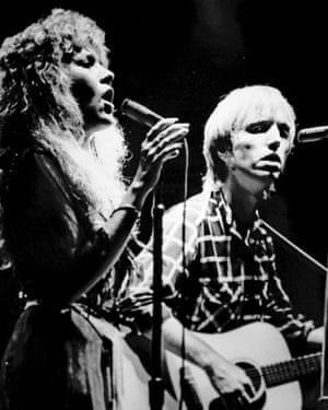 Tom Petty and Stevie Nicks performing in 1981.
