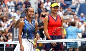 Leylah Annie Fernandez (left) and Emma Raducanu smile for the cameras.