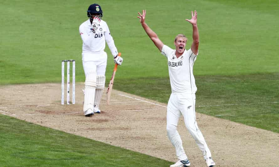 Kyle Jamieson appeals for the wicket of Jasprit Bumrah.