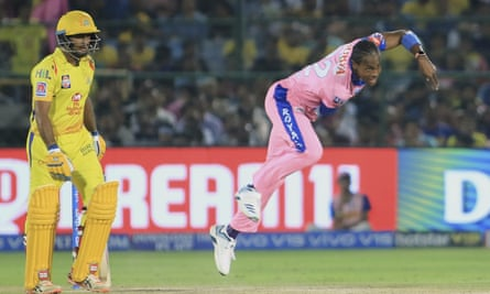 Jofra Archer bowling for Rajasthan Royals in April last year