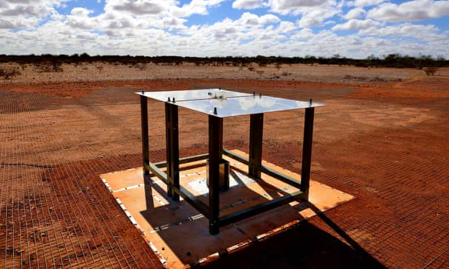 The Edges antenna, which consists of two rectangular metal panels mounted horizontally on fibreglass legs above a metal mesh and sits in a remote part of Western Australia