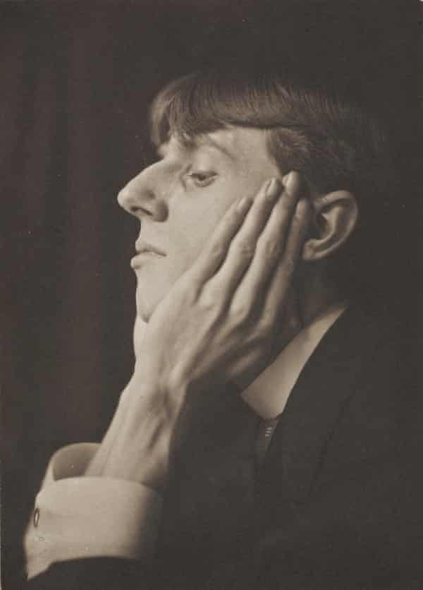 Beardsley photographed in 1893 by Frederick Evans.