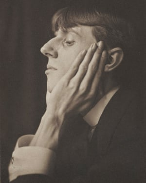 Aubrey Beardsley photographed in 1893.